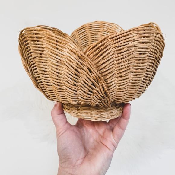 Vintage • tulip pedestal basket